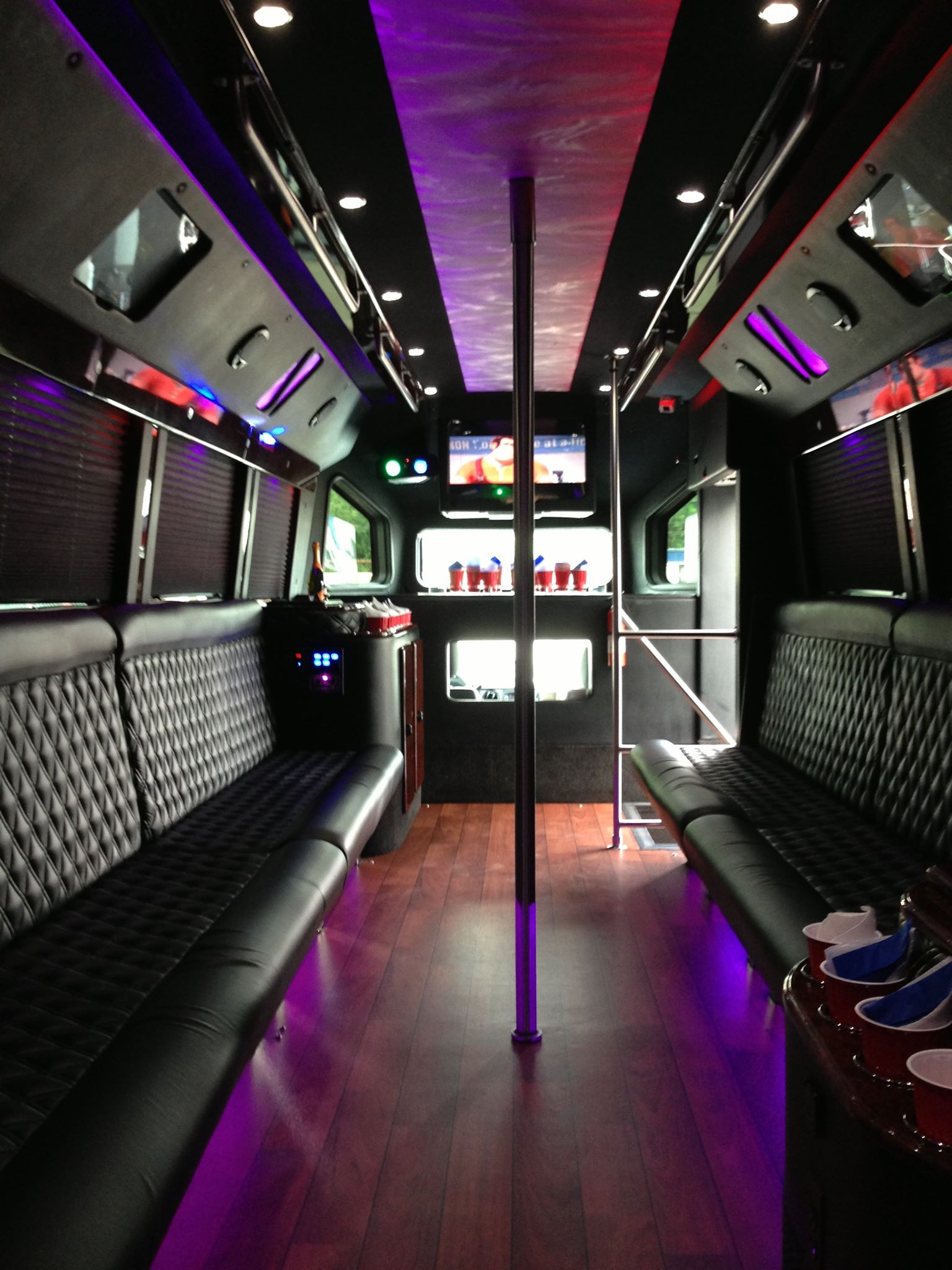 25 Passenger Party Limo Buses For NYC Proms